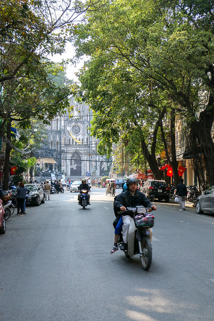 St. Joseph's Cathedral behind the street, Hanoi, Vietnam ハノイ、ハノイ大教会前の通り