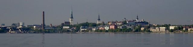 Uitzicht op Tallinn vanaf de ferry..