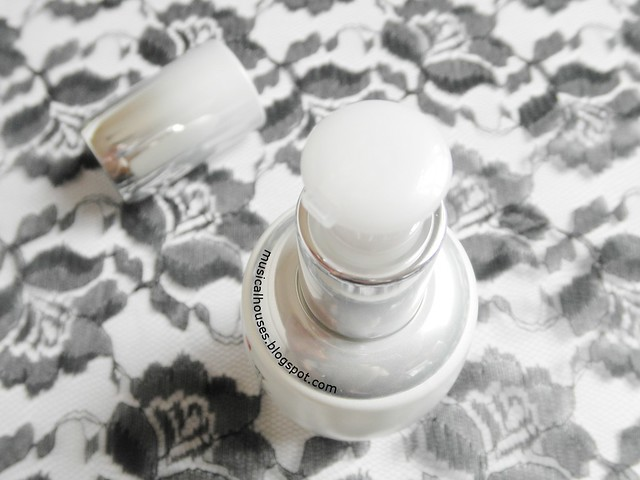 Sulwhasoo Snowise Brightening Serum Review Lid