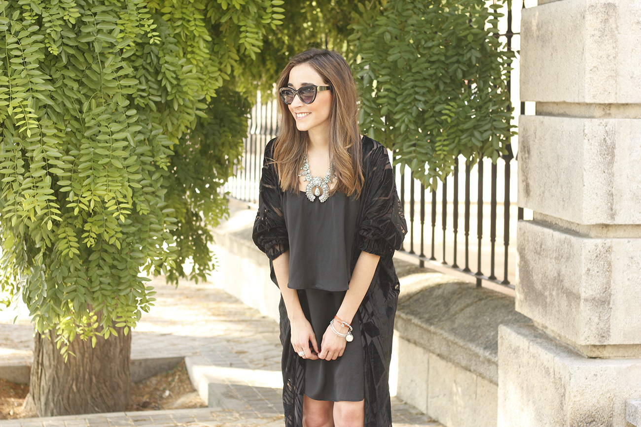 black kimono and black dress sandals accessories summer outfit style fashion sunnies13