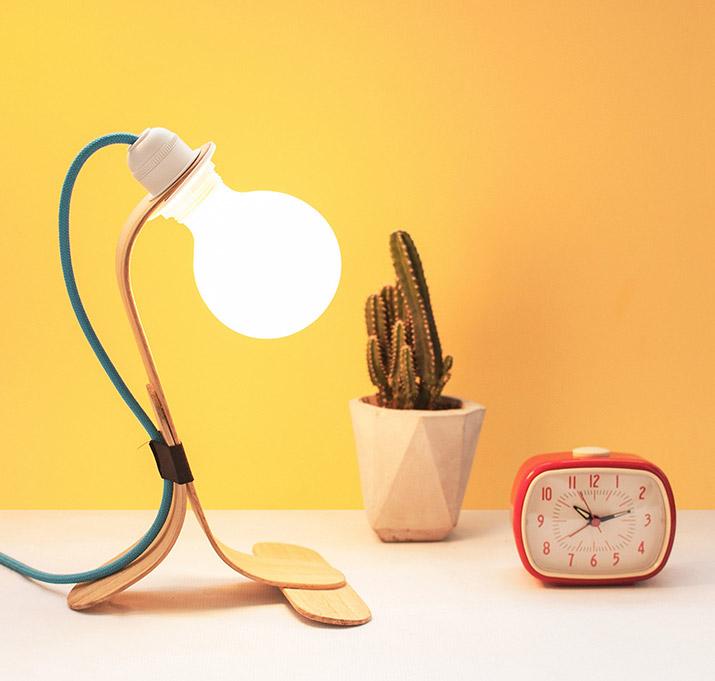 oitenta-lampara-madera-01