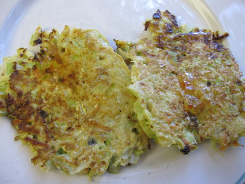 http://www.girlsgonechild.net/2012/05/eat-well-japanese-cabbage-pancakes.html | by girlsgonechild