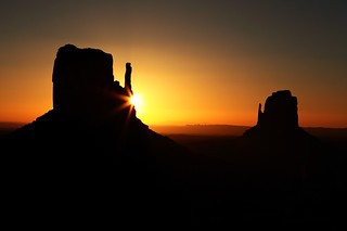 Sunrise at Monument Valley | by Oilfighter