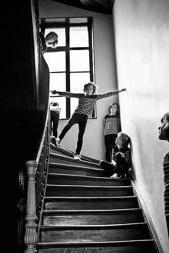 Playing in the stairs | by ben0son - www.ben0son.com -
