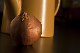 Onion and tea pot [Fotosöndag: vardag] | by arkland_swe