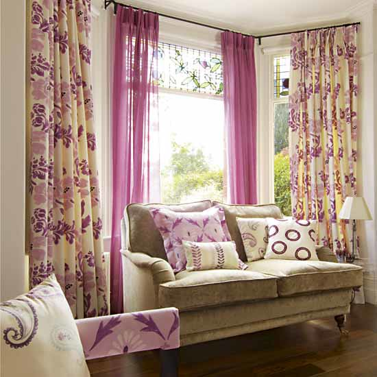 Decorate-Your-Room-with-the-Curtains