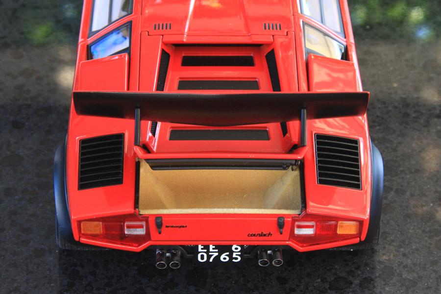 AUTOart 118 Lamborghini Countach LP500S Red