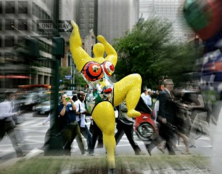 yellow nana on park avenue/ niki de saint phalle | by Daniela Klara R. (gone)