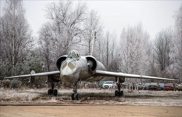 TU-128 04