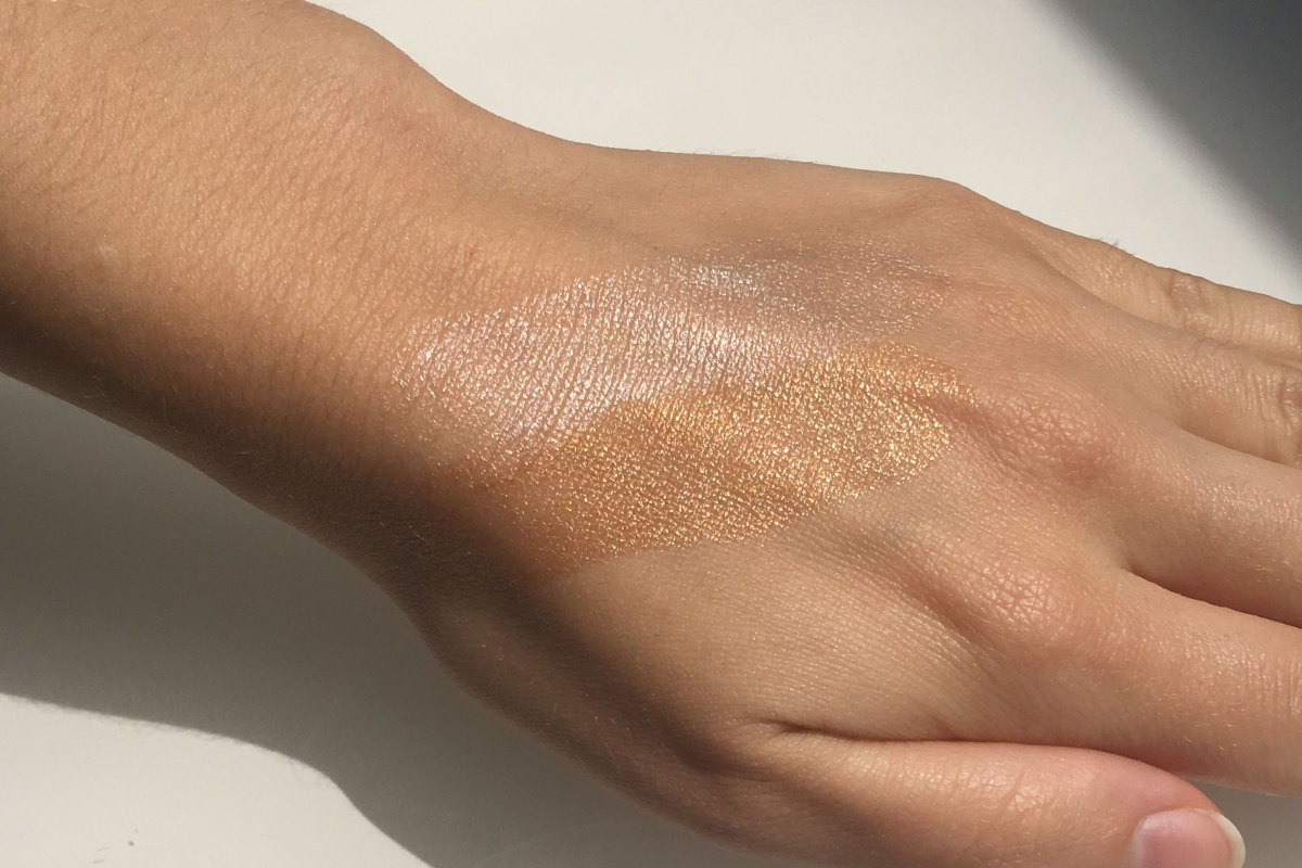 Glossier Haloscope Highlighter Swatches