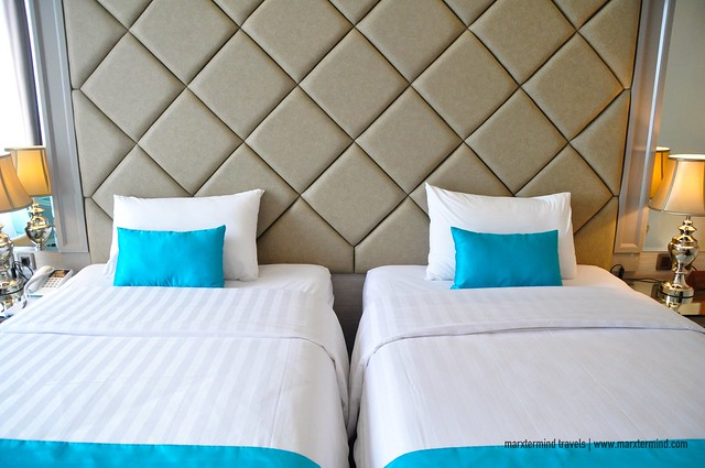 Park View Hotel Bandung Parisian Blue Twin Beds