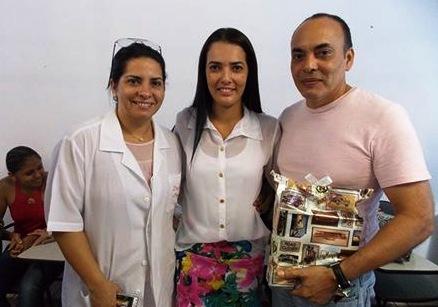 Diretor do hospital de Rurópolis é pai dos donos da clínica que ganhou licitação milionária, Os médicos Roberto e Gláucia Wanderley com a vereadora Paula Genuíno