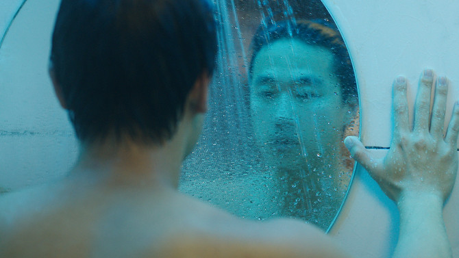 Joe Seo engages in some self-reflection in SPA NIGHT.