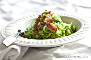 Peas with their pods and spring onions with bacon | by kitchenbeard