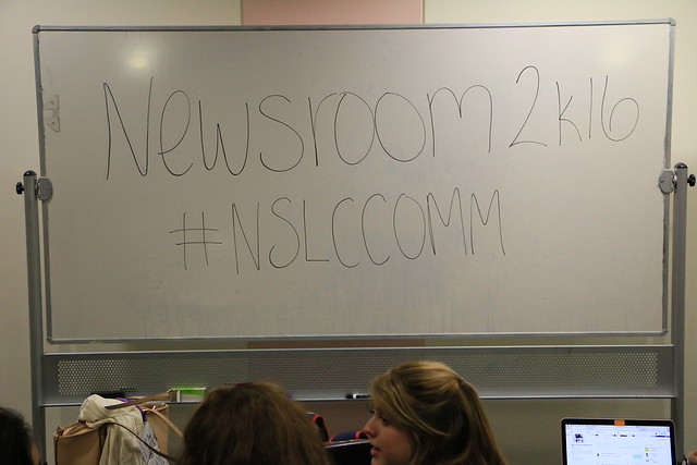 COMM16_American_S1_NewsroomSim___7175