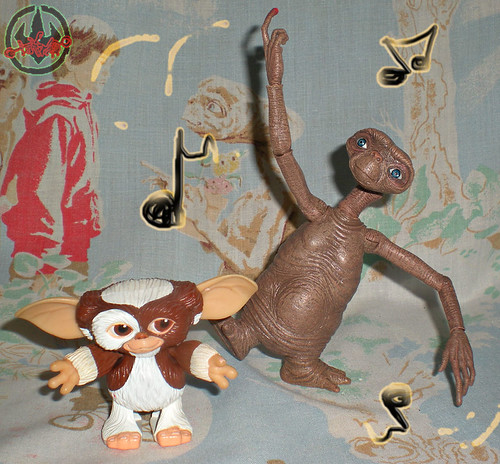 "NECA :: E.T. THE EXTRA-TERRESTRIAL; ""GALACTIC FRIEND E.T.""  xxxix / Dancing with 200x ""GREMLINS"" Jun Planning Wind-up 'DANCING' Gizmo (( 2012 )) 