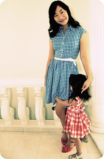 Mother-daughter gingham shirtdresses | by The Sew Convert