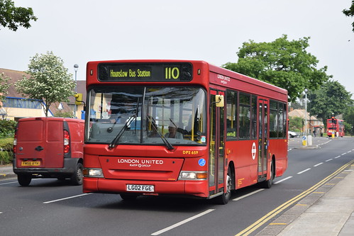 London United DPS659 on Route 110, Ivybridge Retail Park
