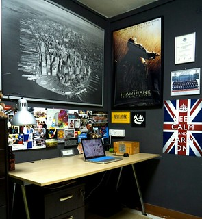 I think my little work corner at home is looking fabulous. | by -fuád