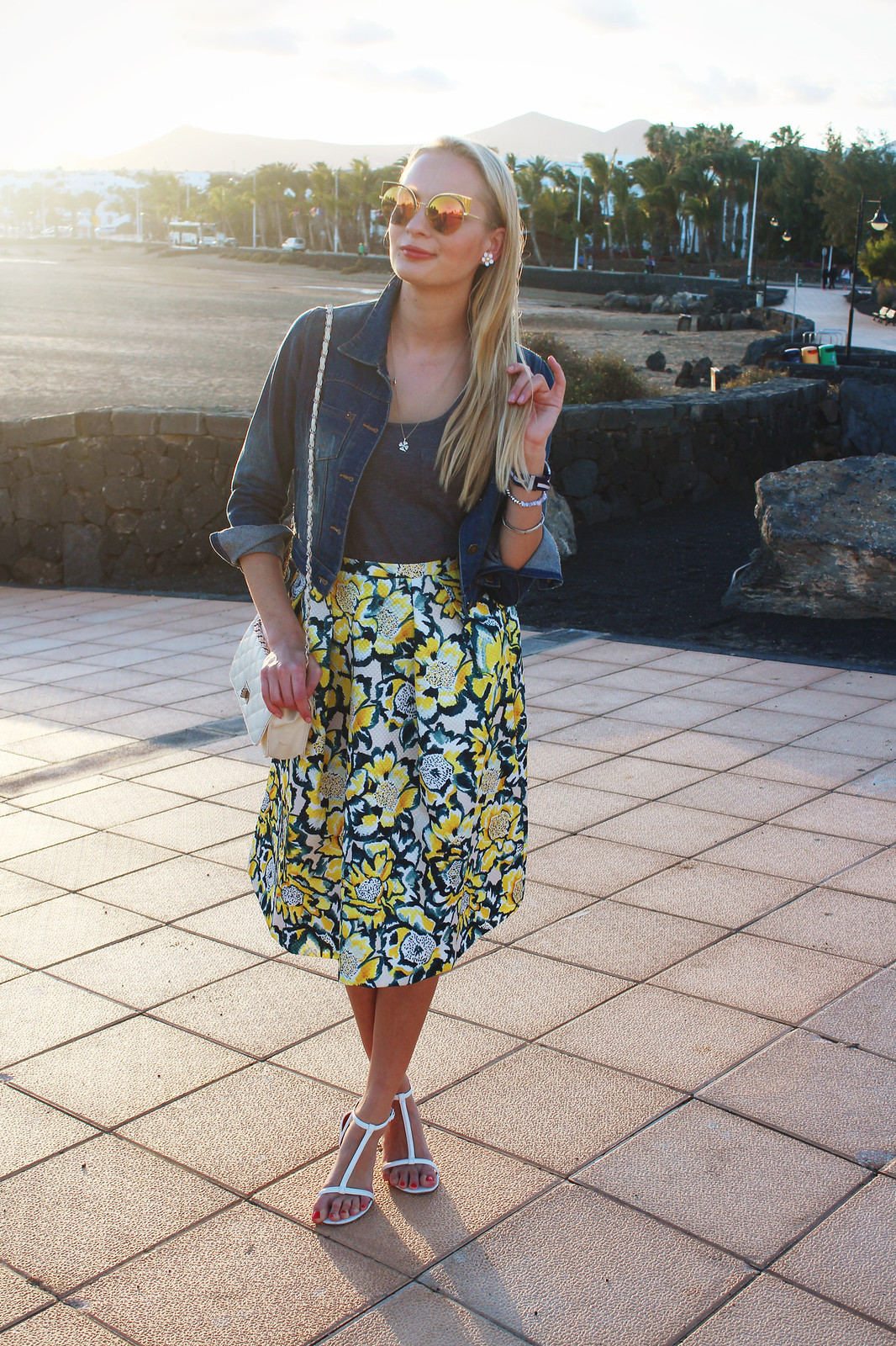 Canary islands outfit