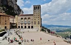 Plaça de Santa Maria, Monestir de Montserrat