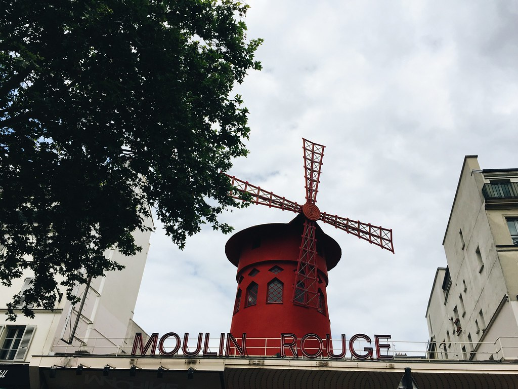 moulin rouge paris windmill