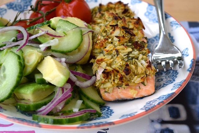 Almond & Lemon Crusted Salmon with Cucumber, Red Onion & Avocado Salad | www.rachelphipps.com @rachelphipps