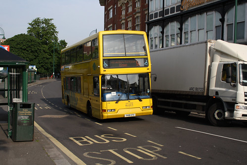 Yellow Buses 418 Y418CFX