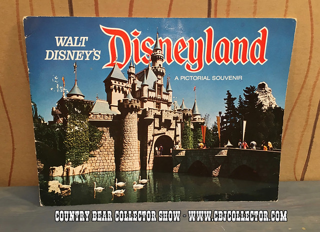 1972 Walt Disney's Disneyland Pictorial Souvenir Book - Country Bear Jamboree Collector Show #051