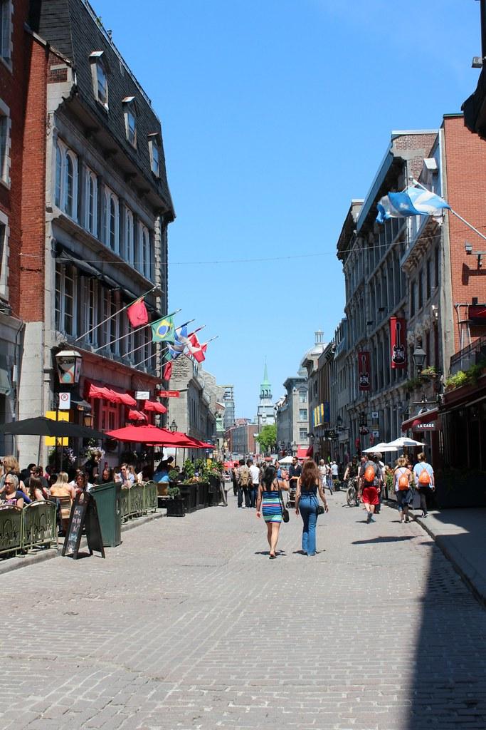 Vieux Montreal eli Montrealin vanhakaupunki kuuluu ehdottomasti parhaat nähtävyydet Montrealissa -listalle!
