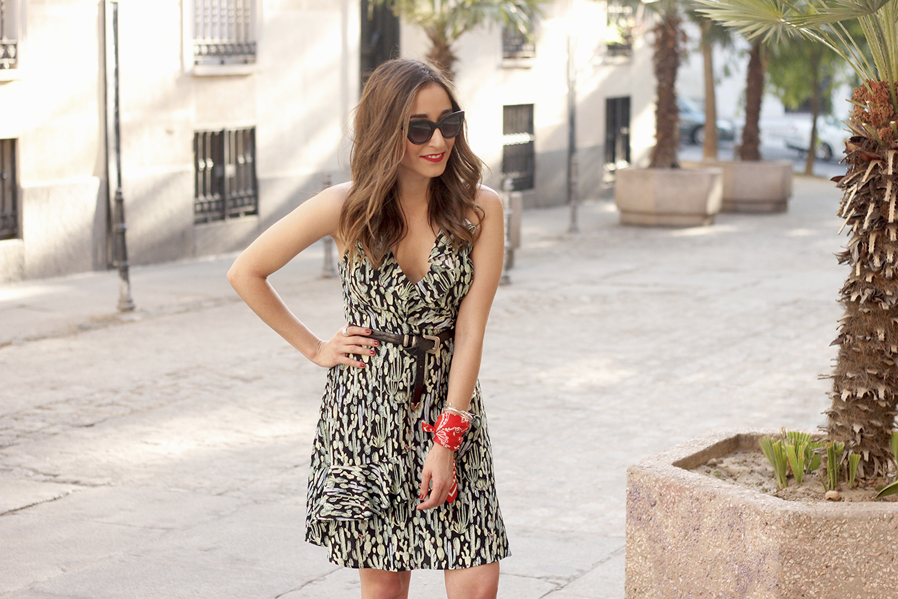 summer dress with cactus prints black sandals sunnies outfit style 08