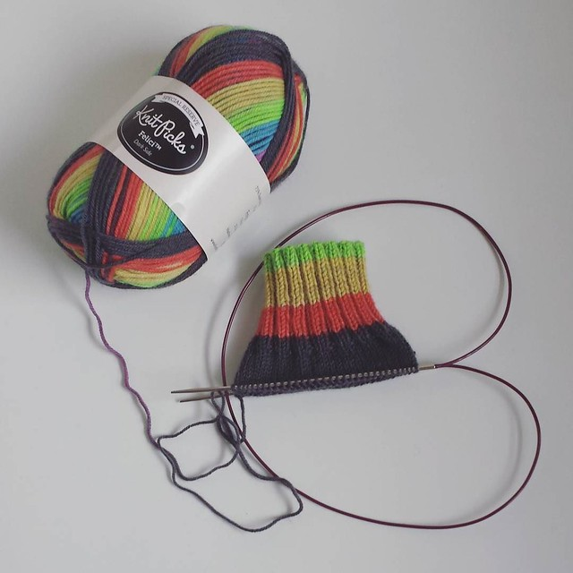 doing the #oneweeksockchallenge again! am using Felici Dark Side, it's my first time using Felici & I understand all the hype now, it's great stuff!! 💕 #knittersofinstagram #socktawk #operationsockdrawer #boxosoxkal #craftastherapy