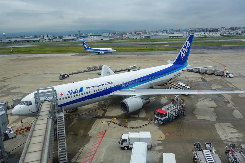JA8324 ANA Boeing 767-300