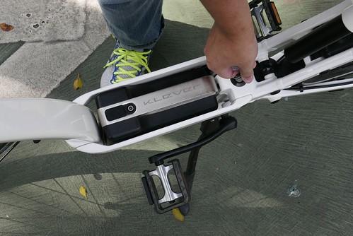 成為陽光型男,我就從Klever E-bike開始 (12)_電池鎖
