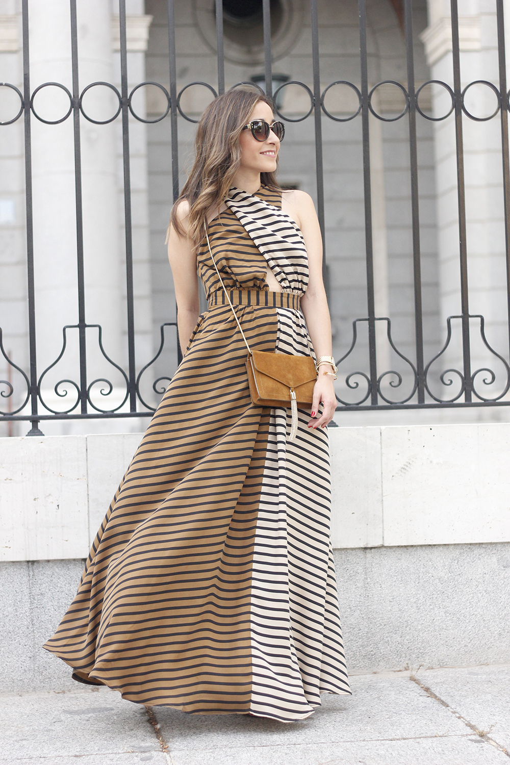 Maxi Striped Dress summer outfit sunnies uterqüe black sandals style fashion11
