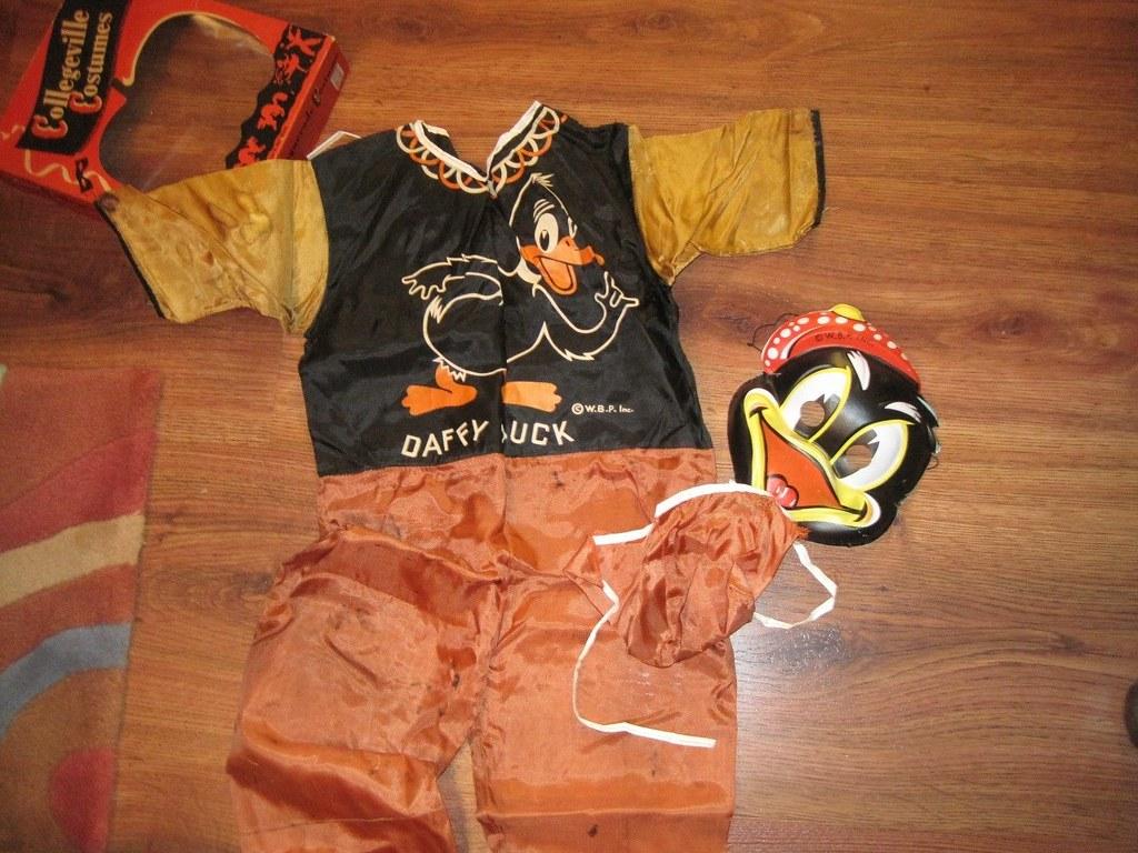 looney_daffy_costume2