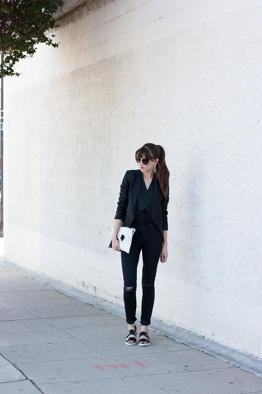 How to Style All Black Outfit, Everlane, Black and White Outfit