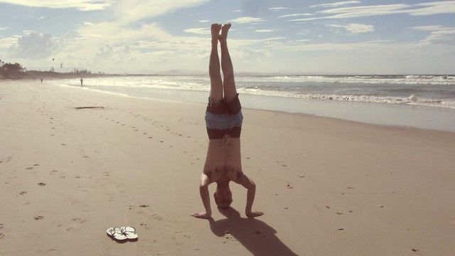 36. byron bay headstand