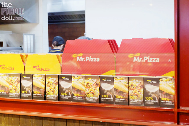 Mr Pizza at Robinsons Place Manila