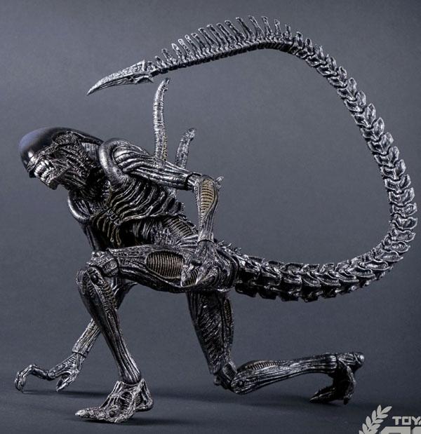 NECA_Alien_Warrior_02