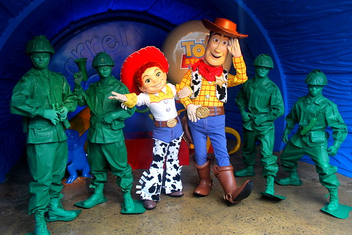 Meeting Woody, Jessie and Toy Soldiers