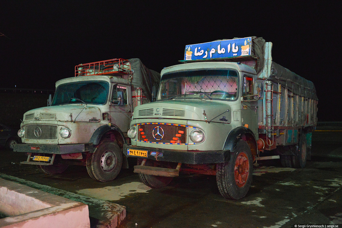 iran_cars_trucks-40