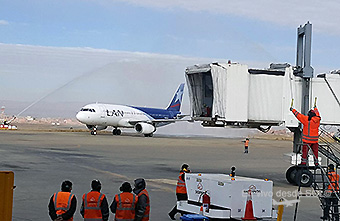 LATAM A320 first flight SCL-LPB (Israel Antezana)