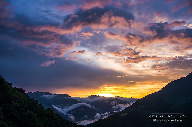 2016.Jul sunset @Lala Mountain Taoyuan, Taiwan 拉拉山
