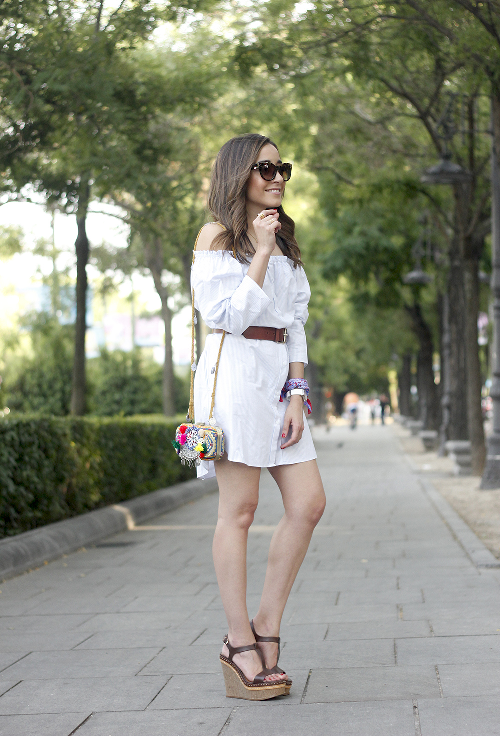 Off the shoulders striped dress belt summer outfit wedges sunnies style03