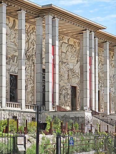 Le Palais de la Porte Dorée (Paris)