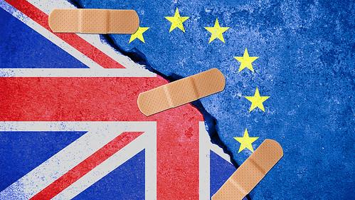MW-EQ207_brexit_20160627110044_ZH