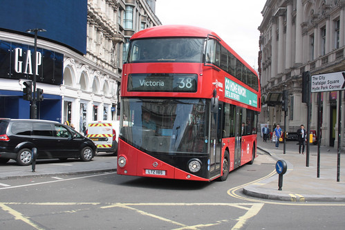 Arriva London North LT185