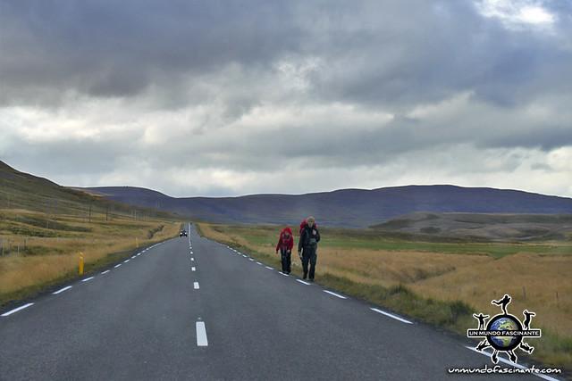 ISLANDIA - Recorriendo la isla a pie, muy habitual (Iceland, ísland)