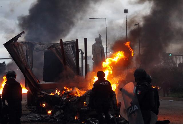 Seis muertos y más de cien heridos tras protesta en Oaxaca